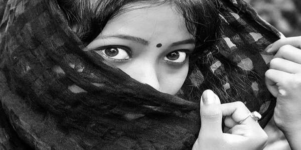 हिंदी कविता यूँ राहों में